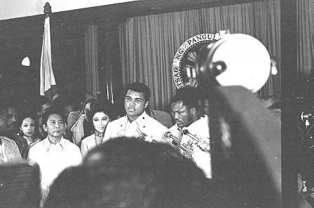 thrilla-in-manila-muhammad-ali-joe-frazier-october-1-1975-3